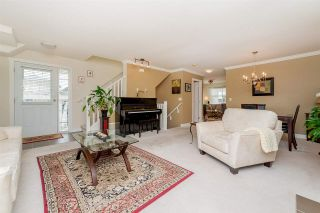 Photo 3: 39 6555 192A STREET in Surrey: Clayton Townhouse for sale (Cloverdale)  : MLS®# R2246261