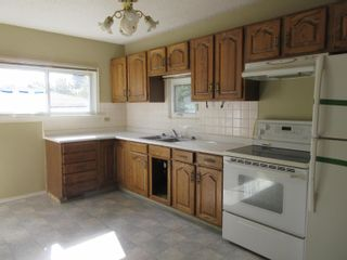 Photo 3: 4828 54 Street: Redwater House for sale : MLS®# E4262434