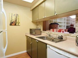 Photo 4: 212 9635 121 Street in Surrey: Cedar Hills Condo for sale (North Surrey)  : MLS®# R2235066