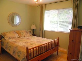Photo 11: 950 Brooks Pl in COURTENAY: CV Courtenay East House for sale (Comox Valley)  : MLS®# 671811