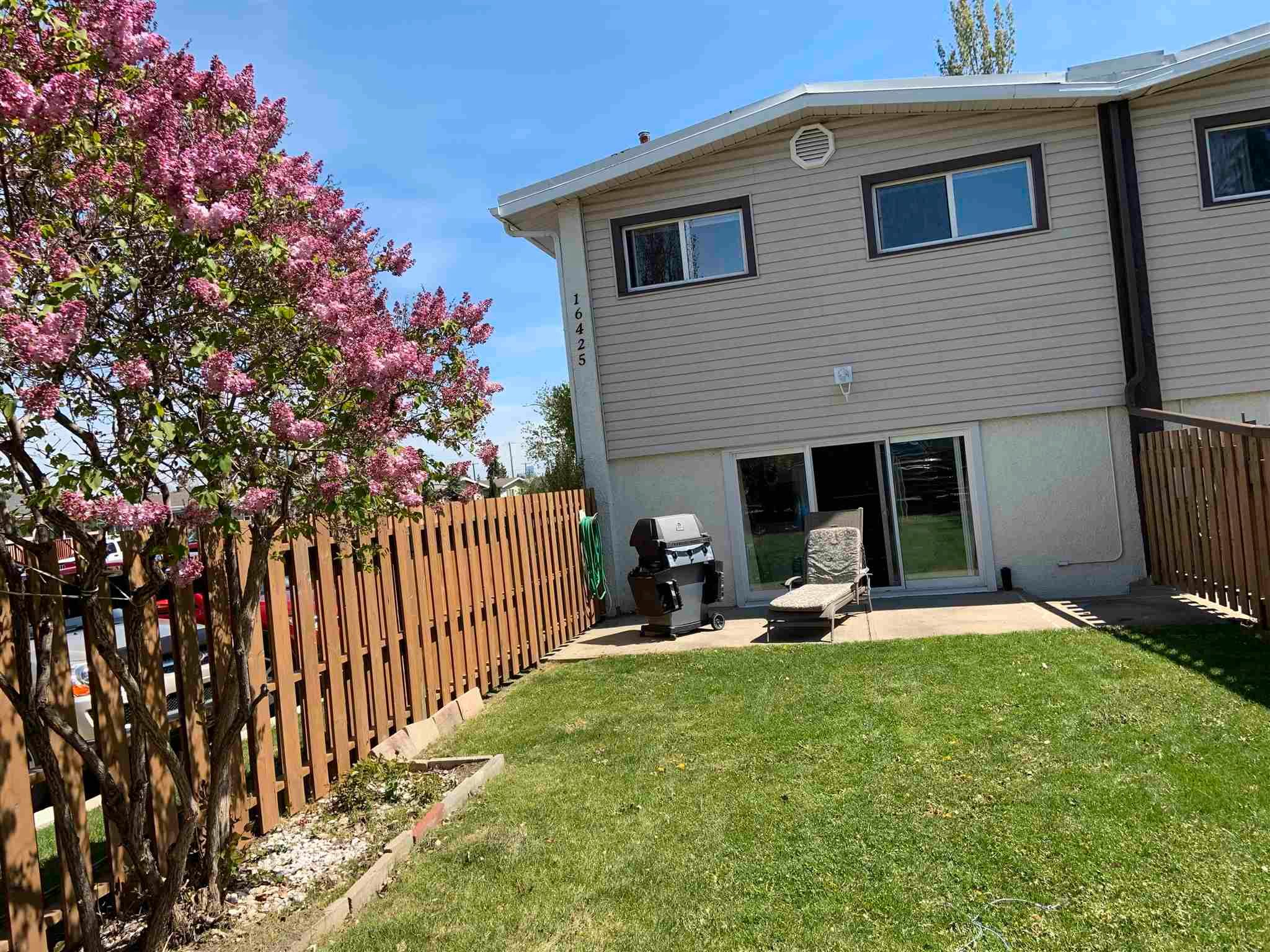 Main Photo: B 16425 89 Avenue in Edmonton: Zone 22 Townhouse for sale : MLS®# E4245801