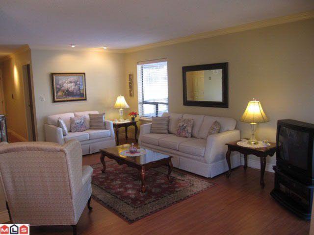 Main Photo: 207 1460 MARTIN STREET in : White Rock Condo for sale : MLS®# F1100155