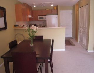 """Photo 10: 366 1100 E 29TH Street in North Vancouver: Lynn Valley Condo for sale in """"HIGHGATE"""" : MLS®# V790179"""