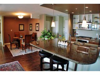 "Photo 2: 901 980 COOPERAGE Way in Vancouver: Yaletown Condo for sale in ""COOPER'S POINT"" (Vancouver West)  : MLS®# V909936"