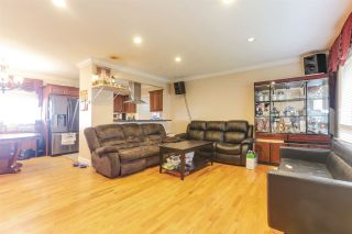 Photo 4: 942 STEWART Avenue in Coquitlam: Maillardville House for sale : MLS®# R2423899