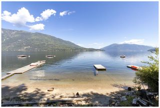 Photo 1: 10 1249 Bernie Road in Sicamous: ANNIS BAY House for sale : MLS®# 10164468
