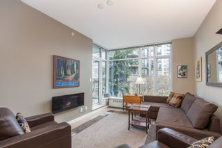 """Photo 7: 202 135 W 2ND Street in North Vancouver: Lower Lonsdale Condo for sale in """"CAPSTONE"""" : MLS®# R2547001"""