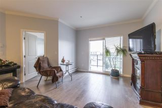 Photo 4: 302 22363 SELKIRK AVENUE in Maple Ridge: West Central Condo for sale : MLS®# R2413478