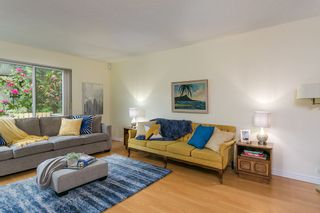 """Photo 8: 4784 LAURELWOOD Place in Burnaby: Greentree Village Townhouse for sale in """"GREENTREE VILLAGE"""" (Burnaby South)  : MLS®# R2375023"""
