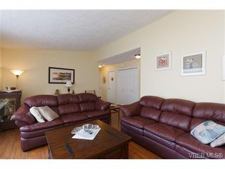 Photo 4: 57 7570 Tetayut Rd in SAANICHTON: CS Hawthorne Manufactured Home for sale (Central Saanich)  : MLS®# 652718