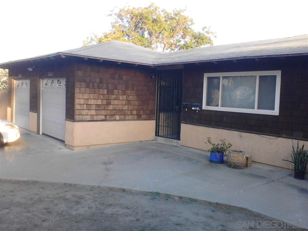 Main Photo: NORTH PARK House for rent : 2 bedrooms : 3695 Myrtle Ave in San Diego