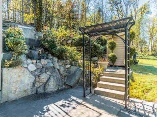 Photo 5: 5521 BESSBOROUGH Drive in Burnaby: Capitol Hill BN House for sale (Burnaby North)  : MLS®# R2574104