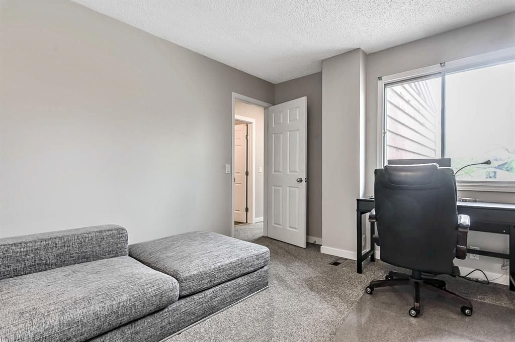 Photo 22: Photos: 2621C 1 Avenue NW in Calgary: West Hillhurst Row/Townhouse for sale : MLS®# A1111551