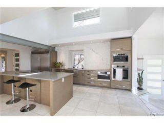 Photo 5: 74 Hopwood Drive in Winnipeg: Tuxedo Residential for sale (1E)  : MLS®# 1700022