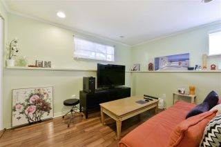 """Photo 14: 919 DUNDONALD Drive in Port Moody: Glenayre House for sale in """"Glenayre"""" : MLS®# R2353817"""