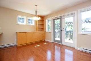 Photo 10: Master on Main in Detached Townhome in Sidney