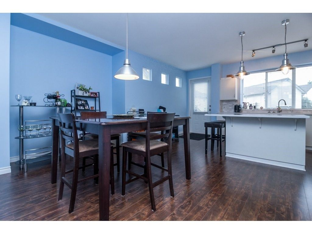 """Photo 7: Photos: 18479 66A Avenue in Surrey: Cloverdale BC House for sale in """"Heartland"""" (Cloverdale)  : MLS®# R2095726"""