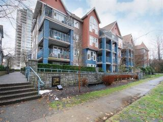 Photo 13: 210 1200 EASTWOOD Street in Coquitlam: North Coquitlam Condo for sale : MLS®# R2134281