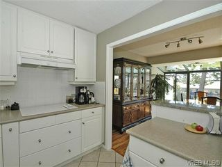 Photo 14: 2 2654 Lancelot Pl in SAANICHTON: CS Turgoose Row/Townhouse for sale (Central Saanich)  : MLS®# 615581