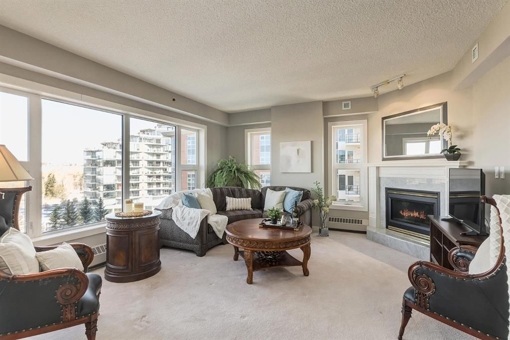 Main Photo: 601 200 La Caille Place SW in Calgary: Eau Claire Apartment for sale : MLS®# A1042551