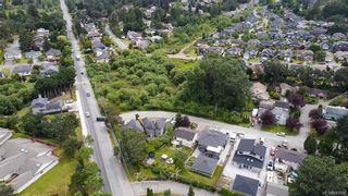 Photo 38: 1140 Knibbs Pl in Saanich: SW Strawberry Vale House for sale (Saanich West)  : MLS®# 842828