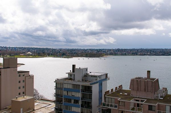 """Photo 13: Photos: 1601 2055 PENDRELL Street in Vancouver: West End VW Condo for sale in """"Panorama Place"""" (Vancouver West)  : MLS®# R2046981"""