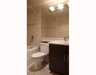 """Photo 5: 902 6659 SOUTHOAKS Crescent in Burnaby: Middlegate BS Condo for sale in """"GEMINI II"""" (Burnaby South)  : MLS®# V684659"""