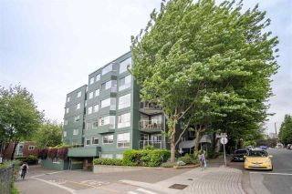 """Photo 28: 301 1510 W 1ST Avenue in Vancouver: False Creek Condo for sale in """"Mariner Walk"""" (Vancouver West)  : MLS®# R2589814"""