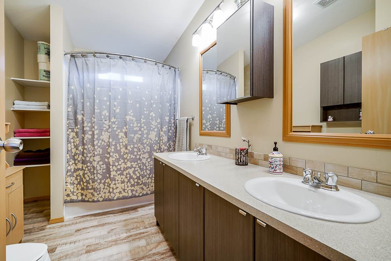 """Photo 15: Photos: 49 7790 KING GEORGE Boulevard in Surrey: East Newton Manufactured Home for sale in """"CRISPEN BAYS"""" : MLS®# R2493696"""