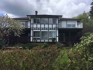 Photo 2: 1564 THOMPSON Road in Langdale: Gibsons & Area House for sale (Sunshine Coast)  : MLS®# R2571660