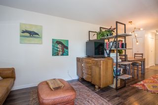 """Photo 6: 202 1450 E 7TH Avenue in Vancouver: Grandview VE Condo for sale in """"Ridgeway Place"""" (Vancouver East)  : MLS®# R2340173"""
