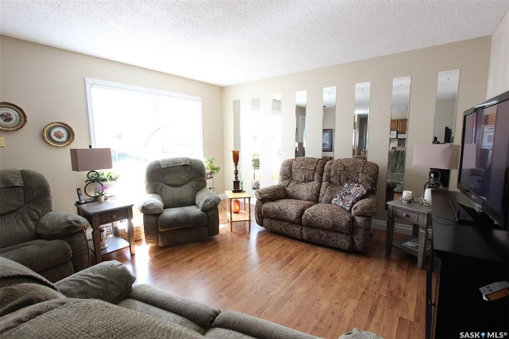 Photo 8: Photos: 1212 Cook Drive in Prince Albert: Crescent Heights Residential for sale : MLS®# SK806050