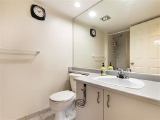 "Photo 11: 1301 14881 103A Avenue in Surrey: Guildford Condo for sale in ""Sunwest Estates"" (North Surrey)  : MLS®# R2379459"