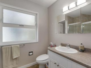 Photo 13: 1691 DAVENPORT Place in North Vancouver: Westlynn Terrace House for sale : MLS®# R2291940