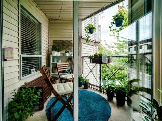 """Photo 11: 208 910 W 8TH Avenue in Vancouver: Fairview VW Condo for sale in """"The Rhapsody"""" (Vancouver West)  : MLS®# R2487945"""