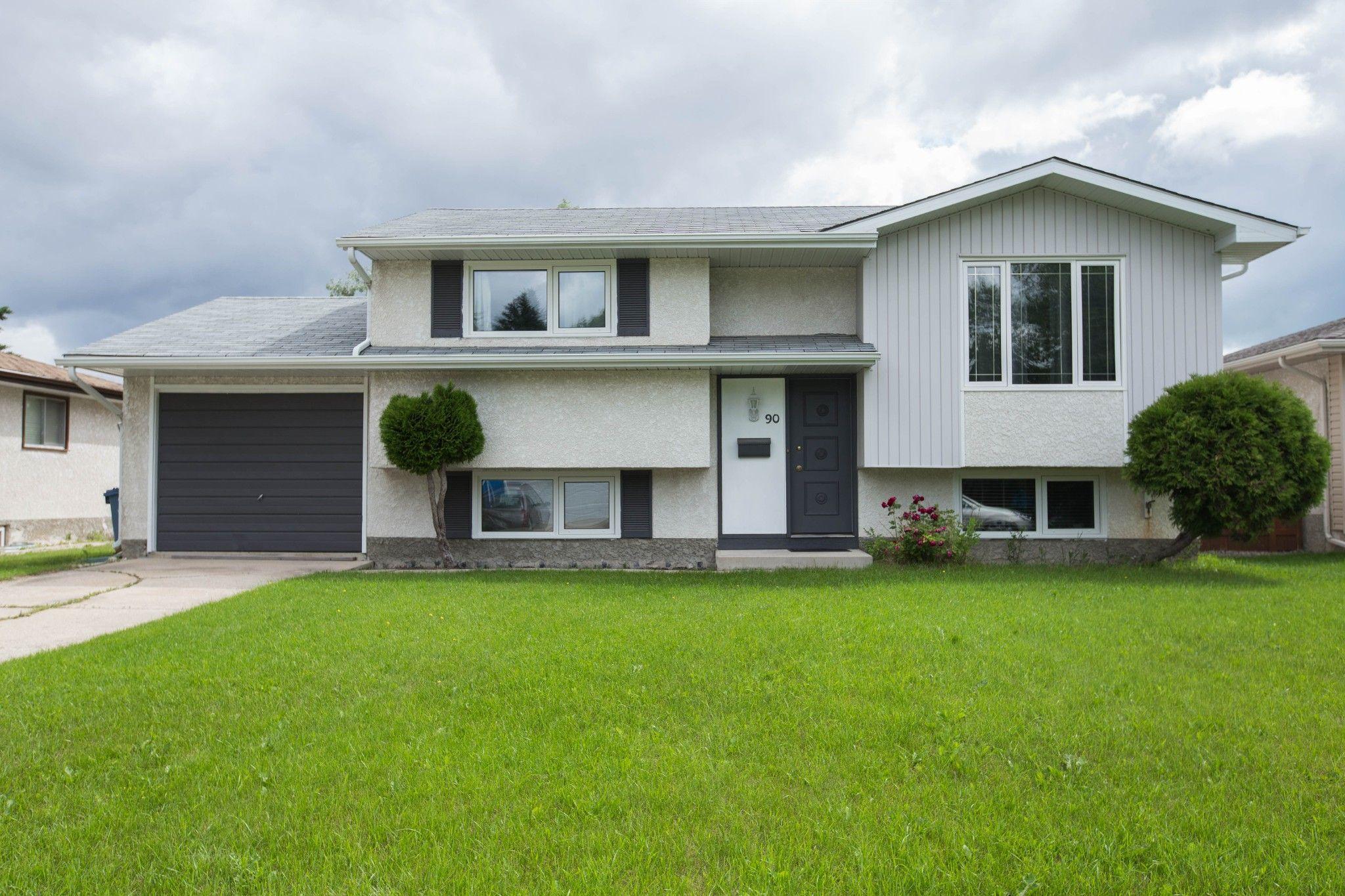 Main Photo: 90 Newcastle Road in Winnipeg: Fort Richmond House for sale (1K)  : MLS®# 1716810