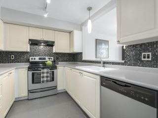 Photo 13: 301 2340 HAWTHORNE AVENUE in Port Coquitlam: Central Pt Coquitlam Condo for sale : MLS®# R2316603