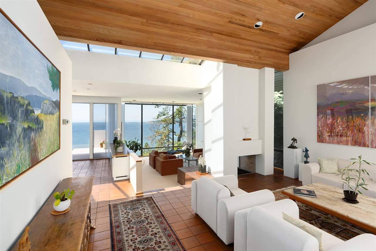 Photo 3: Photos: 5235 GULF Place in West Vancouver: Caulfeild House for sale : MLS®# R2498528