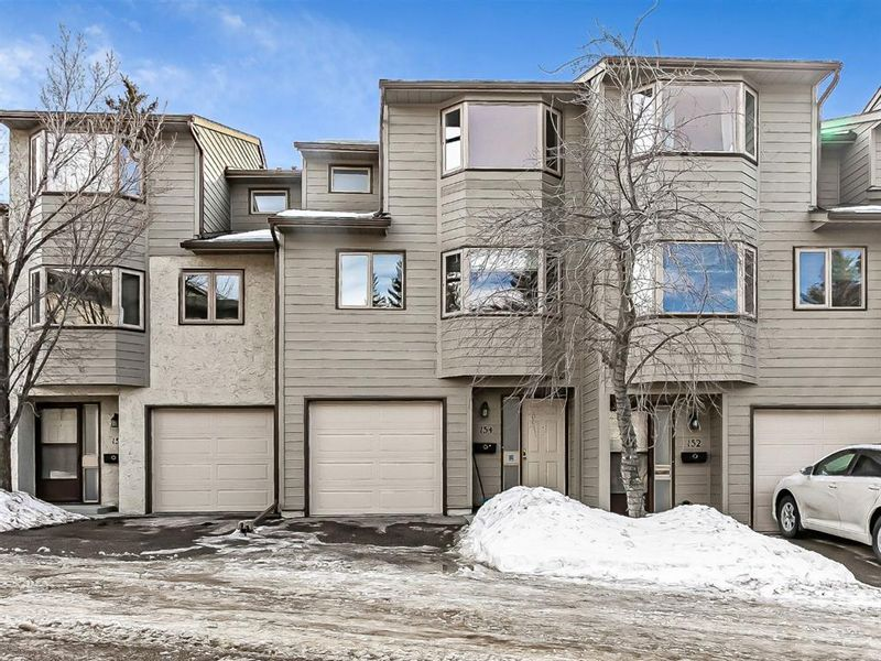 FEATURED LISTING: 154 Glamis Terrace Southwest Calgary