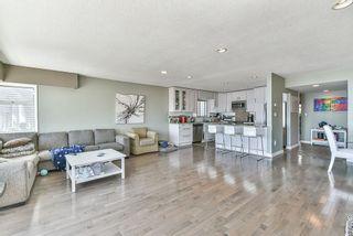 "Photo 7: 15066 ROYAL Avenue: White Rock House for sale in ""White Rock"" (South Surrey White Rock)  : MLS®# R2565589"