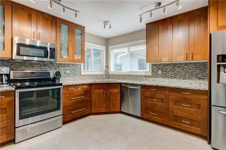 Photo 3: 20 MIDRIDGE CL SE in Calgary: Midnapore Detached for sale : MLS®# C4302925