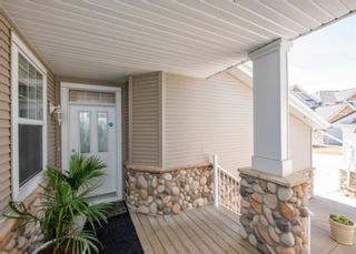 Photo 2: 74 Discovery Heights SW in Calgary: Discovery Ridge Row/Townhouse for sale : MLS®# A1104755
