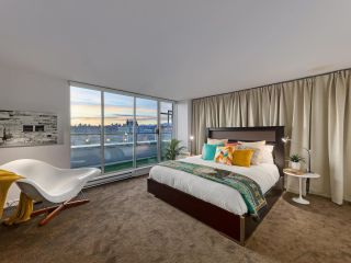 """Photo 13: 2200 8 LAGUNA Court in New Westminster: Quay Condo for sale in """"THE EXCELSIOR"""" : MLS®# R2617330"""