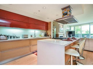 """Photo 6: 107 8 SMITHE MEWS Mews in Vancouver: Yaletown Townhouse for sale in """"THE FLAGSHIP"""" (Vancouver West)  : MLS®# V1075648"""