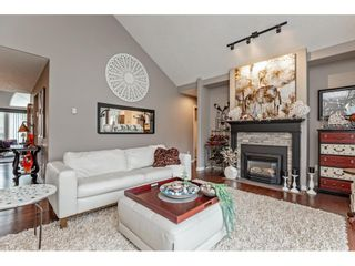 """Photo 7: 147 4001 OLD CLAYBURN Road in Abbotsford: Abbotsford East Townhouse for sale in """"CEDAR SPRINGS"""" : MLS®# R2555932"""