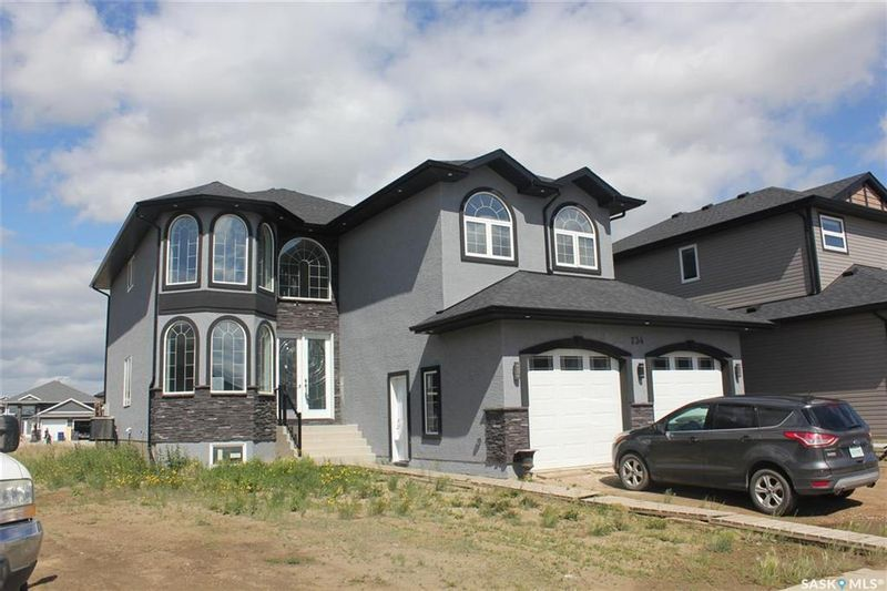 FEATURED LISTING: 734 Glacial Shores Bend Saskatoon