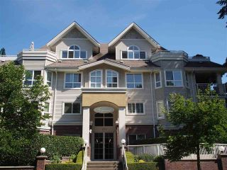 """Photo 1: 302 130 W 22ND Street in North Vancouver: Central Lonsdale Condo for sale in """"The Emerald"""" : MLS®# R2078620"""