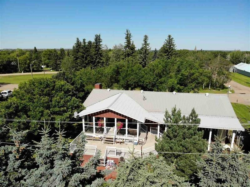 FEATURED LISTING: 4831 51 Street Amisk