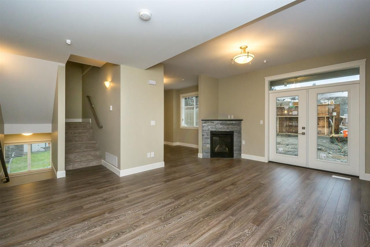 """Photo 2: Photos: 21 32921 14 Avenue in Mission: Mission BC Townhouse for sale in """"Southwynd Hills"""" : MLS®# R2130256"""