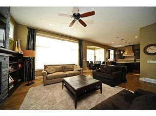 Photo 3: 7 EVERGREEN Avenue SW in CALGARY: Shawnee Slps Evergreen Est Residential Detached Single Family for sale (Calgary)  : MLS®# C3509542
